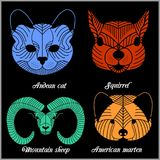 Ensemble d'animaux polygonaux Logos polygonaux Ensemble géométrique de moutons de montagne, chat andin, écureuil, martre américai Image libre de droits