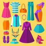 Ensemble d'appartement d'icônes de vêtements de femmes Image stock
