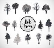 Ensemble d'arbres tirés par la main avec l'encre Images libres de droits