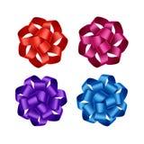 Ensemble d'arcs bleus pourpres roses rouges lumineux de ruban de cadeau Photographie stock libre de droits