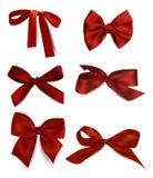 Ensemble d'arcs rouges en soie Photo stock
