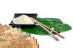 Ensemble d'Asiatique de riz, de baguettes, de feuille verte et de transp Image libre de droits