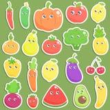Ensemble d'autocollants mignons de fruits et légumes de bande dessinée Vecteur plat illustration libre de droits