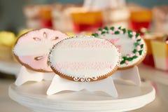 Ensemble d'biscuits vitrés de fête photographie stock libre de droits
