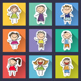 Ensemble d'enfants drôles sur le fond Photographie stock libre de droits