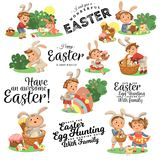 Ensemble d'enfants heureux dans le costume de lapin avec des oreilles chassant les oeufs de pâques, lapins du jeu d'enfants des v illustration libre de droits
