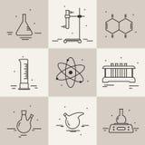 Ensemble d'icônes avec l'équipement de laboratoire chimique Images stock