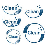 Ensemble d'icônes de nettoyage avec le balai Photographie stock libre de droits