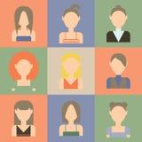 Ensemble d'icônes plates de femmes Illustration de Vecteur