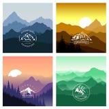 Ensemble d'illustrations de vecteur de montagne avec le logo Illustration Stock
