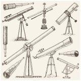 Ensemble d'instruments, d'oculaires de télescopes et de jumelles astronomiques, quart de cercle, sextant gravé dans le vintage ti Photos libres de droits