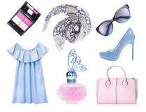 Ensemble d'isolement par accessoires de vêtements de femelle dans la couleur bleue Photo libre de droits