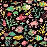 Ensemble de bande dessinée avec la mer vivante, ensemble de vecteur Animaux de mer colorés, modèle sans couture du monde de mer,  Images libres de droits