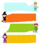 Ensemble de bannières avec des enfants dans des robes de fantaisie Photo stock