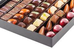 Ensemble de bonbons au chocolat dans une boîte Images libres de droits