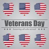 Ensemble de boucliers avec le drapeau des Etats-Unis à l'intérieur pour le jour de vétérans Illustration de vecteur Image libre de droits