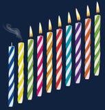Ensemble de bougies multicolores d'anniversaire Images stock