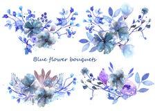 Ensemble de bouquets d'aquarelle avec les fleurs et les feuilles bleues Images stock