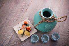 Ensemble de bouteille de saké du Japon Photographie stock