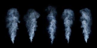 Ensemble de brouillard ou de fumée d'isolement sur le fond noir Opacité blanche, image libre de droits