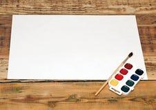 Ensemble de bruch utilisé de peinture avec le papier Images stock