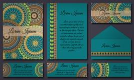 Ensemble de calibres d'invitation avec les mandalas tribals colorés Cartes ethniques de mariage et d'invitation illustration de vecteur