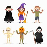 Ensemble de caractères de costume de Halloween d'isolement par bande dessinée illustration libre de droits