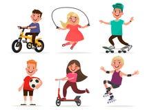 Ensemble de caractères du ` s d'enfants des garçons et des filles impliqués dans le sport Photos stock