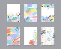 Ensemble de cartes universelles créatives avec des textures tirées par la main Photos libres de droits