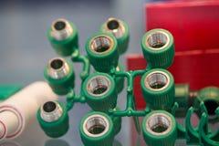 Ensemble de cartouches électriques en plastique pour l'ampoule - usine d'industrie Photos stock