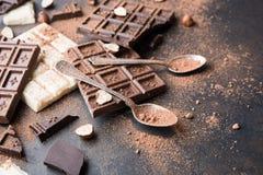 Ensemble de chocolat de lait doux, de blanc et de noir photographie stock libre de droits