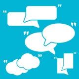 Ensemble de citation Mark Speech Bubbles Icônes blanches de signe de citation Photos stock