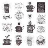 Ensemble de citations de café avec une tasse Lettrage tiré par la main de vecteur illustration de vecteur