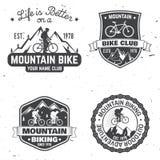 Ensemble de clubs faisants du vélo de montagne Illustration de vecteur illustration de vecteur