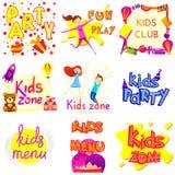 Ensemble de conception de bannière de zone d'enfants d'isolement au-dessus du blanc Type de dessin animé Images libres de droits