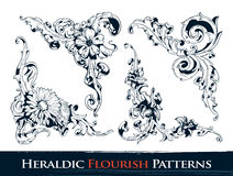 Ensemble de configurations héraldiques de flourish illustration stock