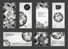 Ensemble de couvertures polygonales Milieux dans le style géométrique illustration libre de droits