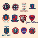 Ensemble de crêtes et d'emblèmes d'école d'université et d'université Images stock