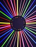 Ensemble de crayons colorés colorés réalistes sur le fond noir Photo stock