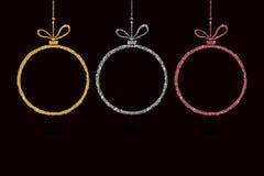 Ensemble de décoration de boule de Noël avec le scintillement argenté Babiole de bonne année traditionnelle Joyeuse carte de voeu Photos stock