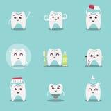 Ensemble de dents mignonnes de bande dessinée avec la brosse et propre, grands pour le concept de soins dentaires de santé illustration stock