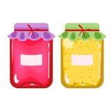 Ensemble de deux boîtes de confiture ou de jus en boîte La fraise ou la confiture et le miel de framboise cognent avec des labels illustration stock
