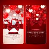 Ensemble de deux cartes rouges de jour de valentines avec des coeurs Photographie stock libre de droits