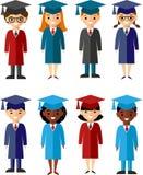 Ensemble de différentes nationalités d'étudiants dans la robe et la taloche d'obtention du diplôme Images libres de droits