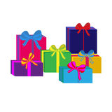 Ensemble de différents boîte-cadeau enveloppés colorés Conception plate Beau présent avec l'arc Symbole et icône pour le boîte-ca Photos libres de droits