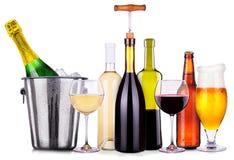 Ensemble de différents boissons alcoolisées et cocktails Photo stock