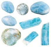 Ensemble de divers minerais de béryl de bleu bleu vert Photographie stock libre de droits