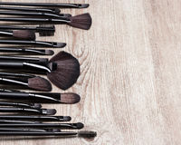 Ensemble de diverses brosses naturelles de maquillage de poil Photos stock