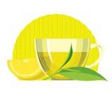 Ensemble de feuilles de thé vertes, tasse, verre Image libre de droits
