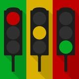 Ensemble de feux de signalisation d'isolement sur rouge, jaune et vert Photo libre de droits
